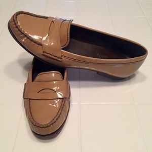 Cole Haan Nike Air Camel Tan Patent Loafers size 9